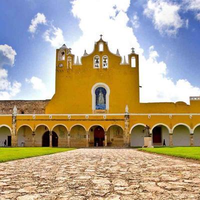 Tour de un día visitando la Ciudad Colonial de Izamal desde Mérida