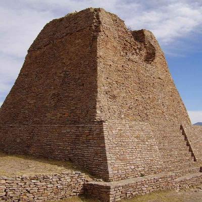 """Tour combinado de un día a Zona Arqueológica """"La Quemada"""" y Pueblo Mágico de Jerez"""