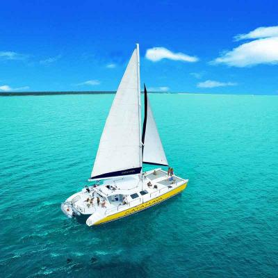 Luxury Sailing & Snorkeling