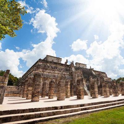 Tour a la Zona Arqueológica de Chichén Itzá: Incluye: Box Lunch, Comida Buffete y Bebidas Ilimitadas.